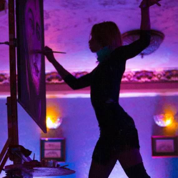 Танцующий худжник - оригинальнок шоу
