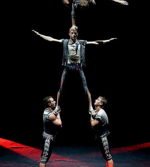 4 аcrobats group (2)