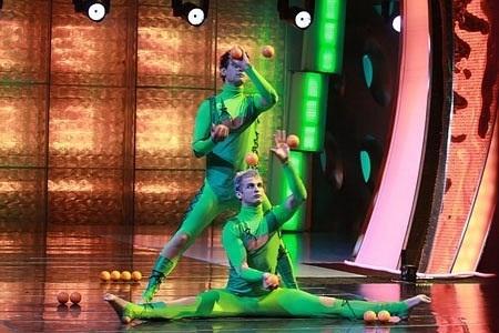juggler duo Oleg & Vitaliy (2)