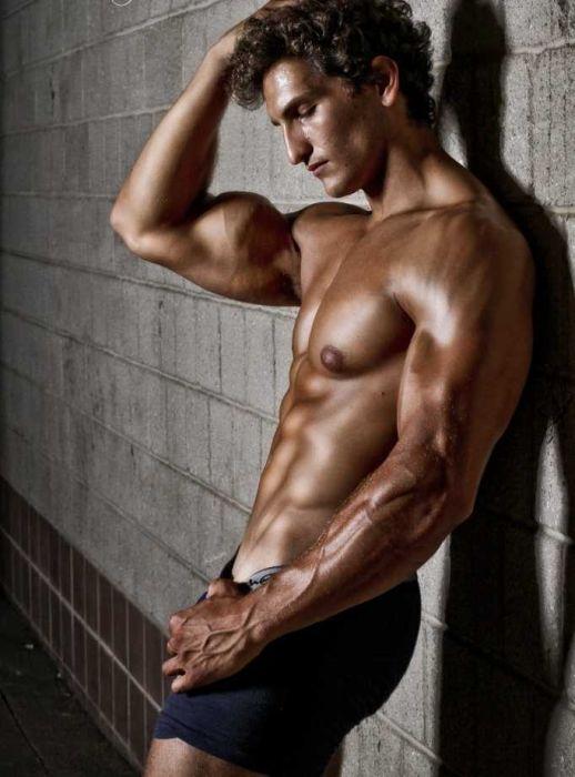 Работа фитнес моделью мужчине применение моделей в социальной работе